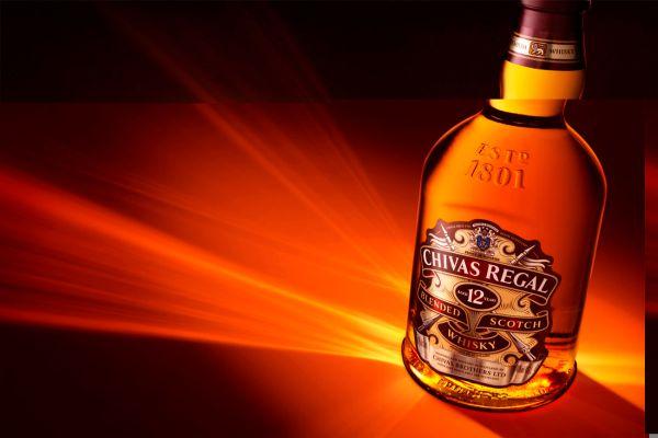 Rượu Chivas 12 - Các chai rượu Chivas được giới sành rượu đánh giá cao năm 2021