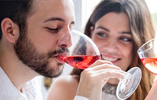 Uống rượu vang Pháp